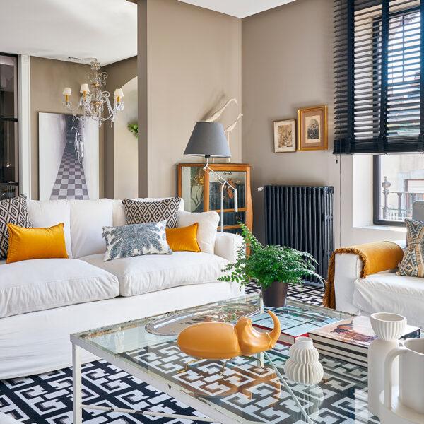 02.Vivienda-amistad-las-arenas-getxo-decoradores_salon_alfombra-gaston-daniela_Interiorismo-Raquel-Gonzalez