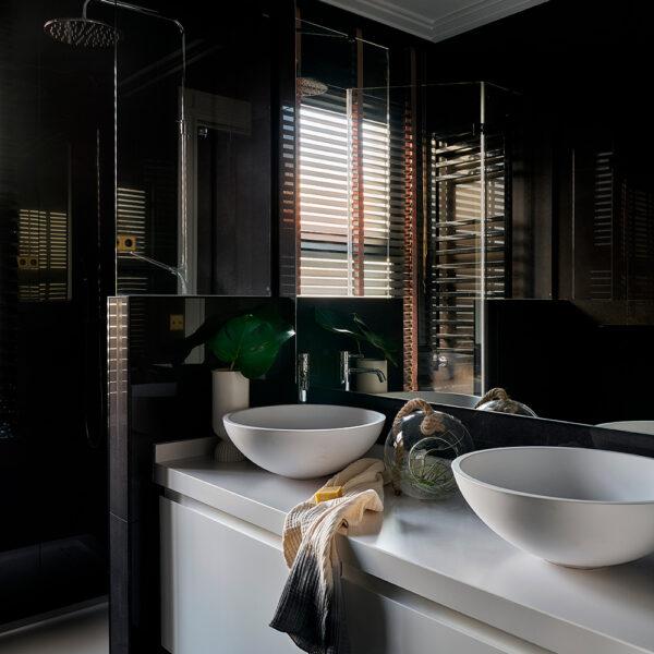05.Vivienda-amistad-las-arenas-getxo-decoradores_cuarto-de-baño-ducha_Interiorismo-Raquel-Gonzalez